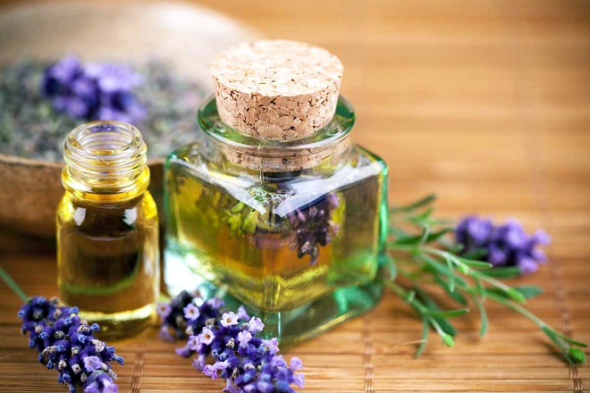 Эфирные масла от целлюлита используются для массажа