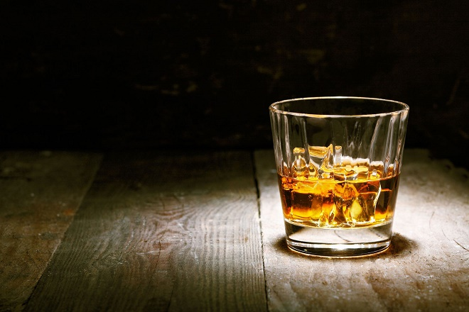 Основной компонент алкоголя - этанол, запрещенный при панкреатите