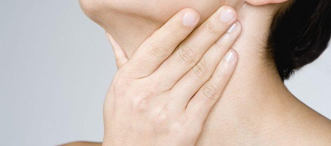 Прыщи на груди и шее - почему появляются
