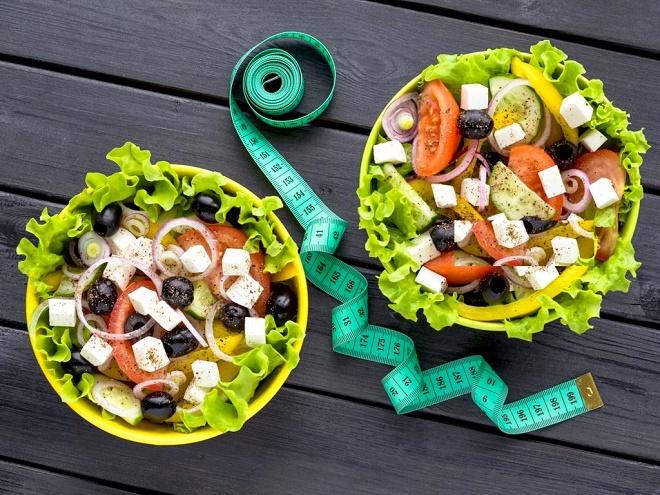 Заправка салатов маслом - самый оптимальный способ
