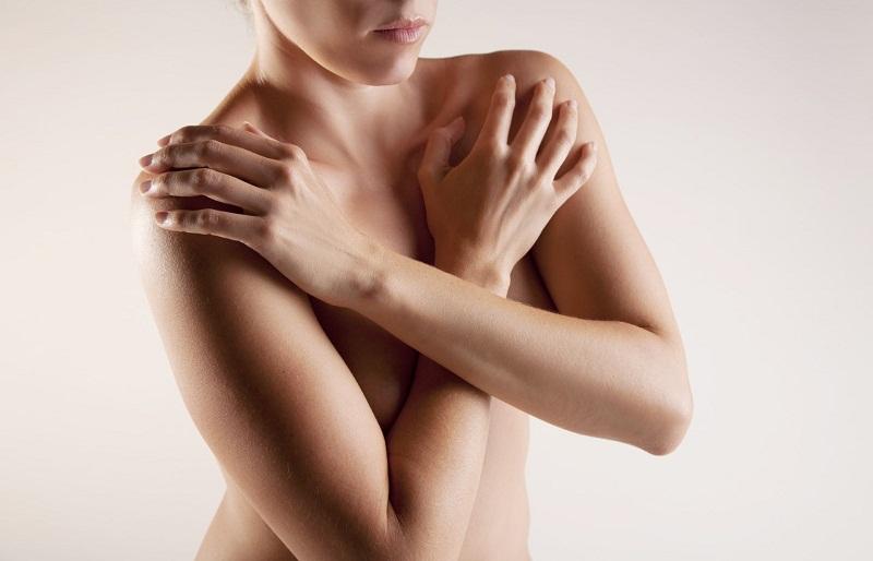 Почему чешутся соски у женщин?
