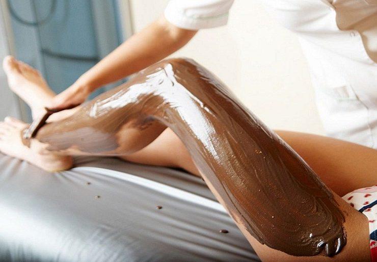 Как делать глиняное обертывание от целлюлита в домашних условиях?