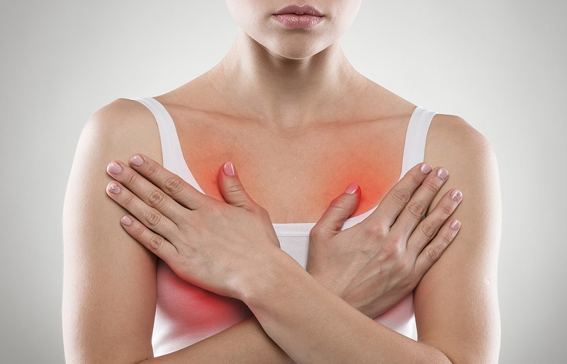 Почему сильно болит грудь перед месячными - причины и симптомы