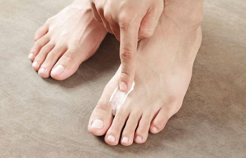Какие народные средства против грибка ногтей на ногах эффективны?