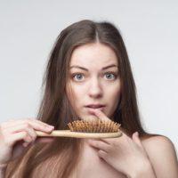 Какие витамины пить при выпадении волос: витамины В6 и В12