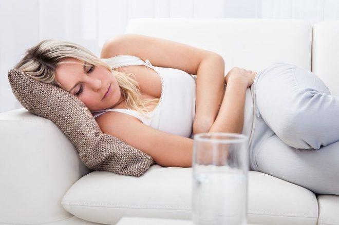 Почему кружится голова и тошнит – причины и лечение