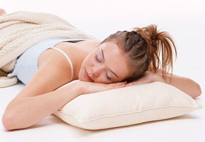 Люди, спящие на животе, скрытые и замкнутые