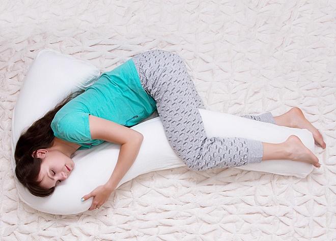 Зажимать подушку между ног - слабость, недоверие, ранимость