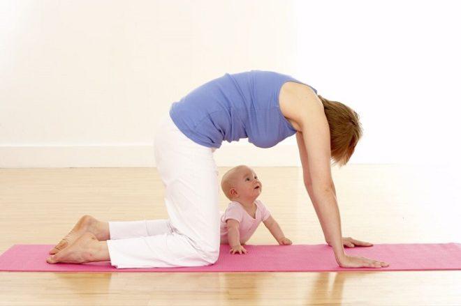 Активно играйте с ребенком