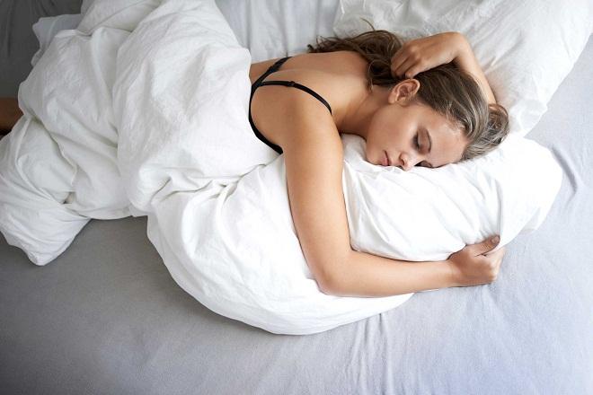 Во сне может быть активно одно полушарие мозга