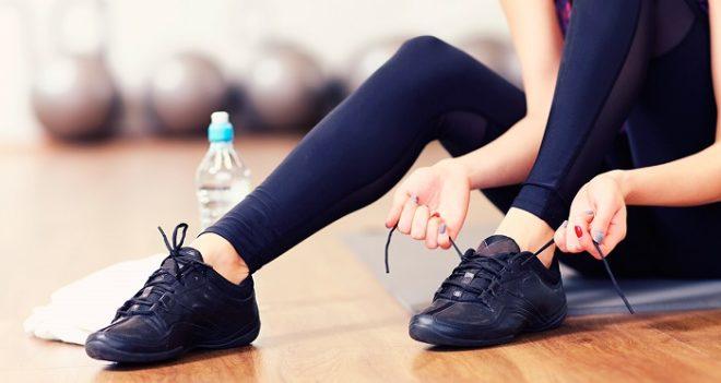Неудобная обувь - первая причина многих мозолей и водянок