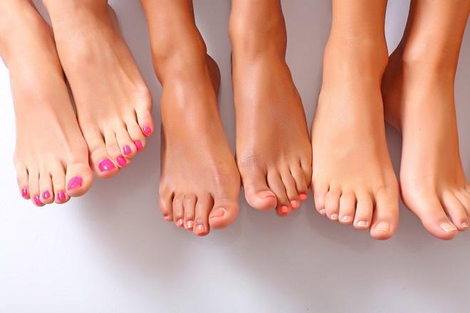Существует множество причин образования кожных наростов на ступнях