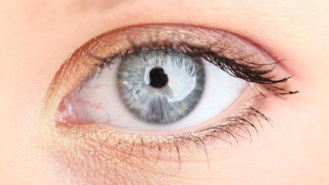 Любые высыпания на глазах должны стать поводом для похода к офтальмологу