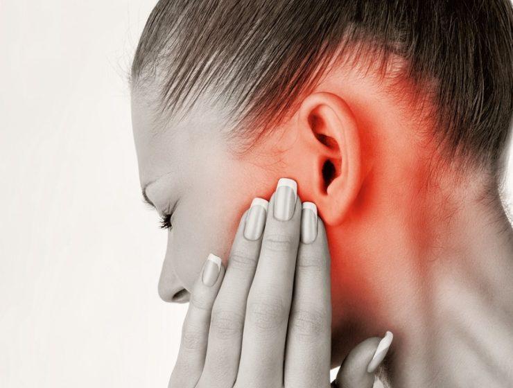После насморка заложило ухо - что делать?