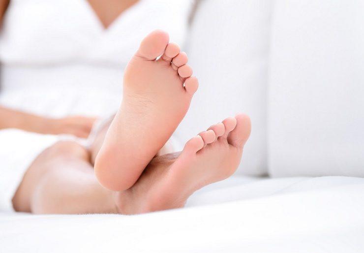 Болят ступни ног при ходьбе - что делать?