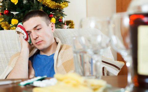 Болит голова после алкоголя - что делать?