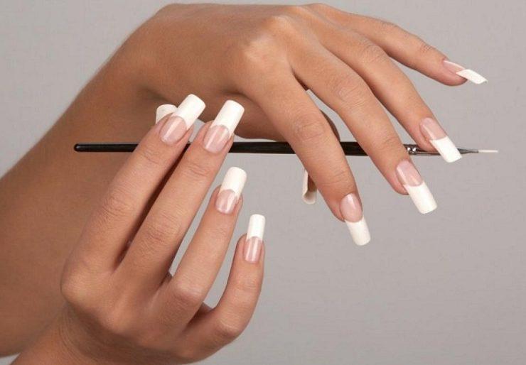 Чем опасно наращивание ногтей гель-лаком?