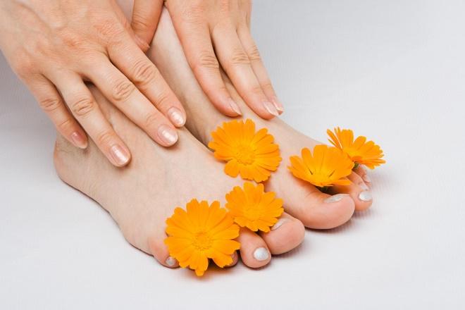 Делайте ванночки с травами для ног