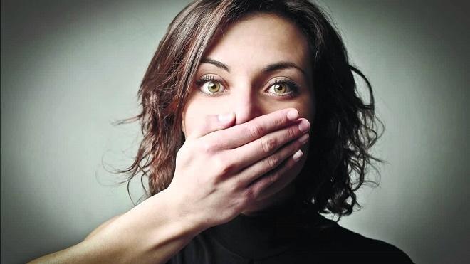 Неприятный запах может возникнуть из-за неправильного питания или употребления определенных продуктов