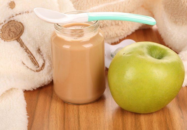 Первый прикорм яблоком - как вводить?