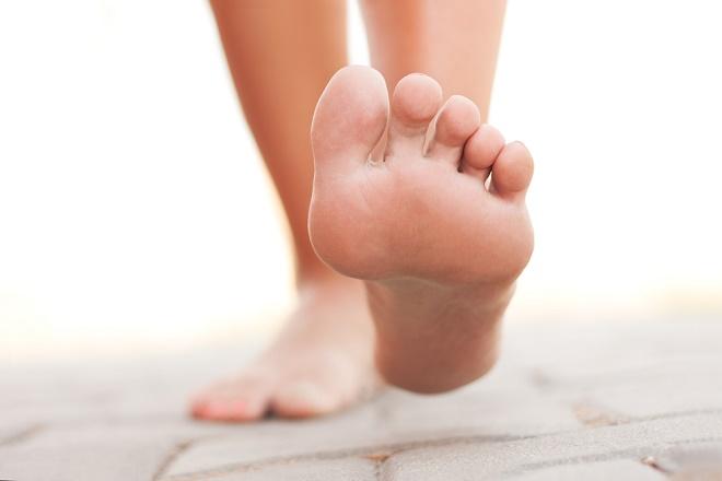Врачи советуют периодически ходить босиком