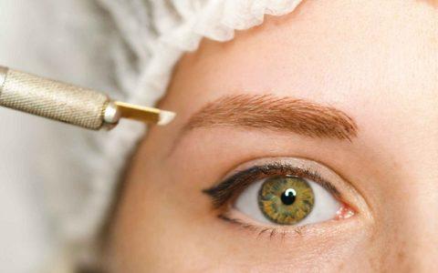 Что представляет собой процедура микроблейдинг бровей?