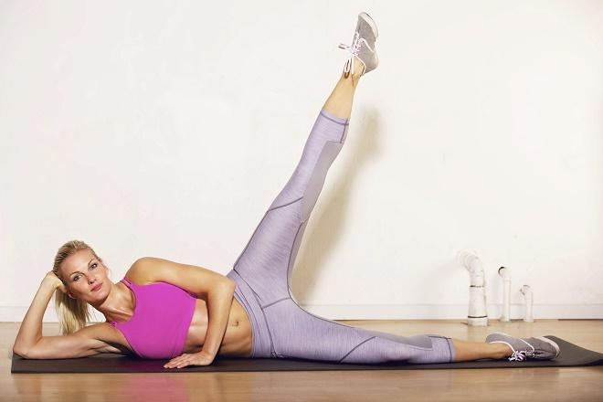 Упражнения можно выполнять дома без специальных тренажеров