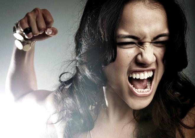 Иногда женщины в этот период могут быть абсолютно не контролируемыми