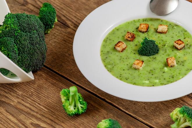 Из брокколи можно готовить первые блюда