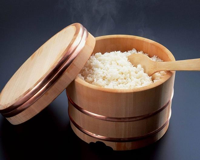 Можно использовать любой сорт риса, даже тот, который применяете для приготовления каши