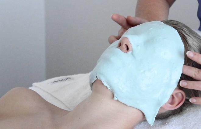 Можно сделать альгинатную маску с гиалуроновой кислотой