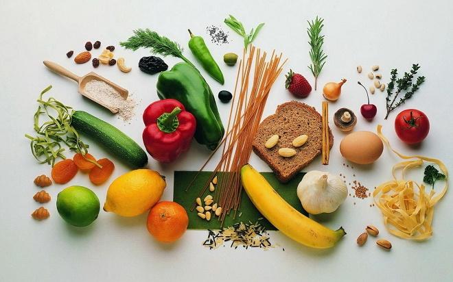 Стоит отказаться и от вредных продуктов, которые негативно сказываются на состоянии дермы