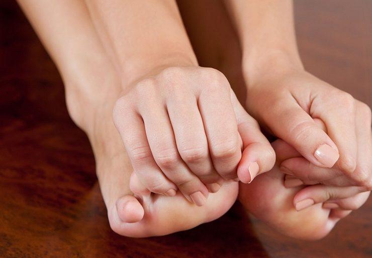 Онемение пальцев рук и ног - причины и лечение