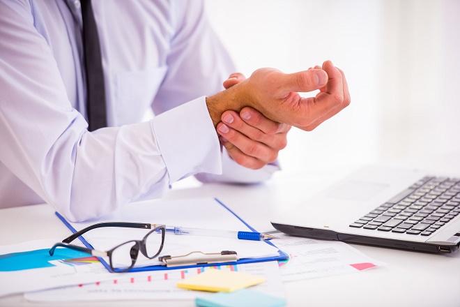 Пальцы рук могут неметь от статичной работы