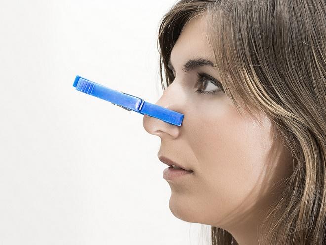 Заложенный нос может спровоцировать головную боль