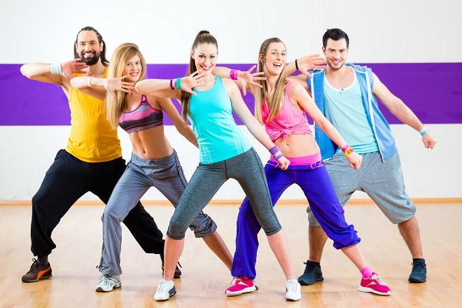 Зумба заряжает энергией и позитивом, помогает похудеть