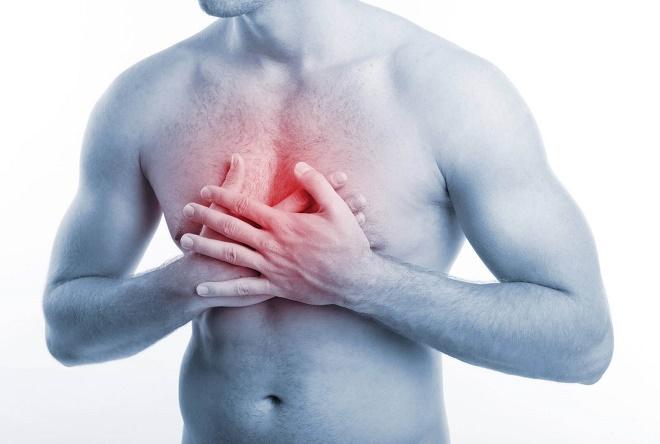 Боль в груди может возникать по многим и абсолютно разным причинам