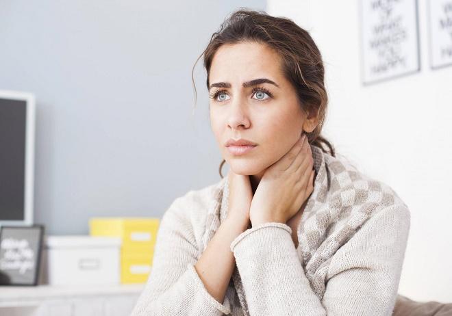 Чувство усталости, сонливость и нарушения цикла часто свидетельствуют о патологиях эндокринной системы