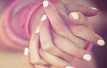 От чего облазит кожа на пальцах рук - причины и лечение