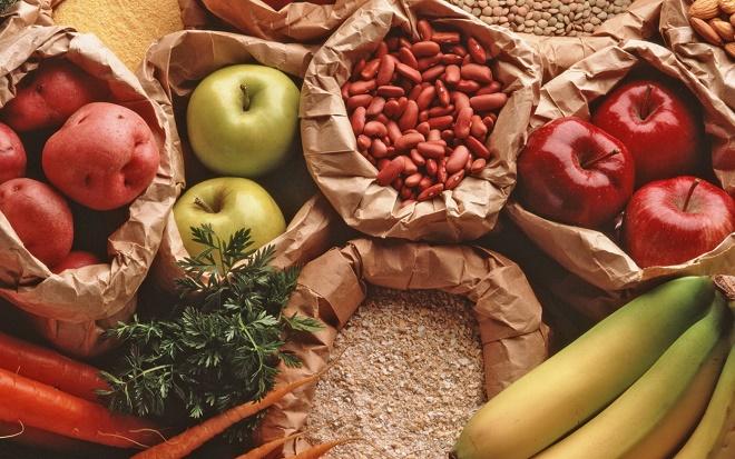 Содержатся полезные углеводы в кашах, хлебе