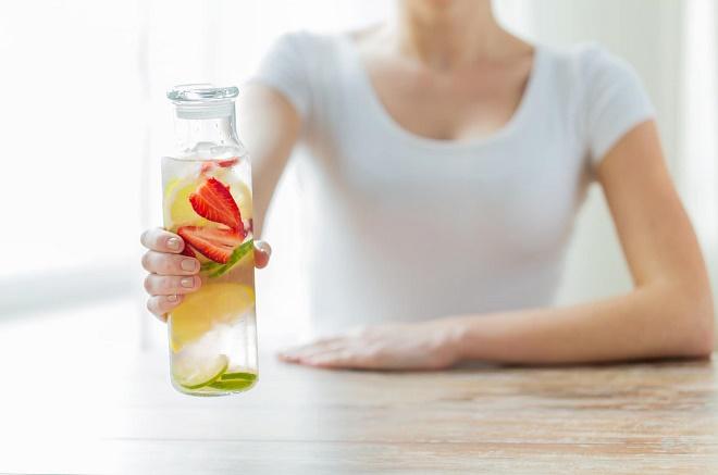 Употребление напитков для похудения будет эффективно только в комплексе с диетой и нагрузками