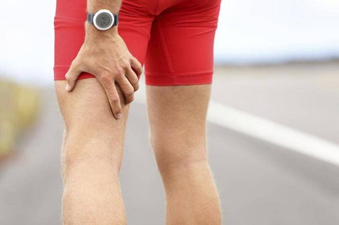 Защемление нерва может вызывать сильную болезненность в ноге