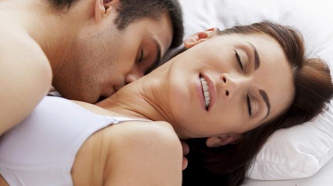 Тщательно следите за реакцией своей партнерши и не делайте ей больно