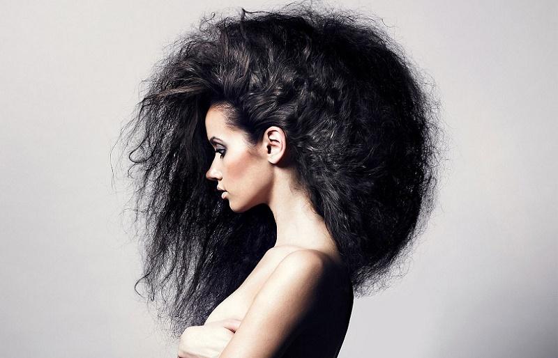 Почему пушатся волосы на голове