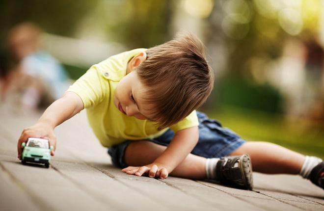 Специалисты утверждают, что шизоидный тип развивается еще в детстве